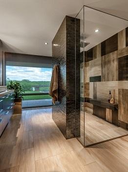Kabiny prysznicowe o nietypowym wymiarze